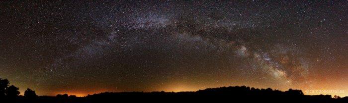 La Vía Láctea sobre el Cerro del Hierro